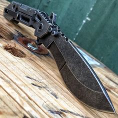 Quartermaster Knives QSA-1CC Boss Hog with it's 4.25 Inch Carbon Copy Kukri Blade and G10 and Stainless Steel Handles is a beast of a knife!!!!! Get yours while u can--> http://www.osograndeknives.com/catalog/knives/quartermaster-knives-qsa-1cc-boss-hog-4.25-inch-carbon-copy-kukri-blade-g10-and-stainless-steel-handle-qtrm5tr-25747.html