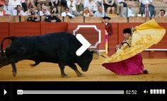 Mundotoro.com Día 18 Abril de 2013. CRÓNICA De la novena de la Feria de Abril ¡ÓLE!, ¡UY!, ¡AY! - Mundotoro.com #cronica #toros #toreros #video #fotos Badass, News, Pictures