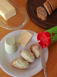 Swiss Schabziger cheese with only 0.5gr of fat no carbs and 33gr Protein per 100gr.