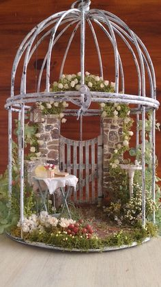 Nice 50 Beautiful DIY Fairy Garden Design Ideas https://roomadness.com/2017/10/27/50-beautiful-diy-fairy-garden-design-ideas/ #miniaturegardens
