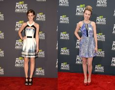 Emma Watson e Bridgit Mendler no MTV Movie Awards 2013. | Foto: Getty