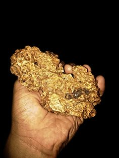 Crystalline gold nuggets