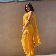 Punjabi dress Patiala Dress, Patiala Salwar Suits, Punjabi Dress, Shalwar Kameez, Kurti, Punjabi Suit Neck Designs, Neck Designs For Suits, Indian Wedding Fashion, Indian Fashion