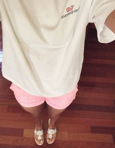 Vineyard vines, pink seersucker, and jacks. - this is soooo cute Adrette Outfits, Preppy Outfits, Summer Outfits, Preppy Fashion, Preppy Casual, Casual Summer, Summer Clothes, Preppy Southern, Southern Prep