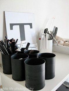 diy rentree pot a crayon Black And White Office, Black White, Charcoal Black, Diy Home Decor, Room Decor, Recycle Cans, Diy Recycle, Diy Casa, Creation Deco