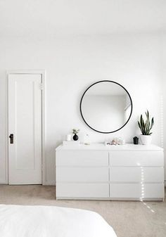 https://www.bodieandfou.com/2017/09/15-of-the-best-oversized-mirrors/