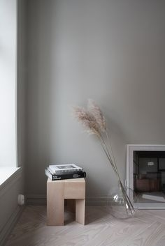 home decoration living room Minimalist Bed, Minimalist Furniture, Minimalist Interior, Living Room Decor Inspiration, Interior Inspiration, Jotun Lady, Deco Paris, Interior Styling, Interior Design