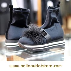 Scarpa nera con pompom – Jeannot Outlet Store, Boots, Fashion, Crotch Boots, Moda, Fashion Styles, Shoe Boot, Fashion Illustrations