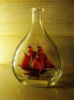 Ship in a bottle/Sailboat