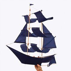 GET OUT!!! :: Sailing Ship Kite