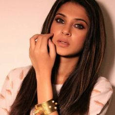 Thanks to Ekta Kapoor to bring out this stunning beauty to the world. Here are 20 quick facts about Jennifer Winget and her wallpapers. Jennifer Winget Beyhadh, Bikini Photos, Celebs, Celebrities, Beautiful Indian Actress, Husband Wife, Indian Actresses, Hot Actresses, Bollywood Actress