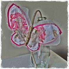 Diadema con mariposa de El Atelier de las Pulgas
