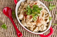 Just made this tonight for dinner...delicious and easy! Alfredo pasta ...quick and easy! by Oh She Glows