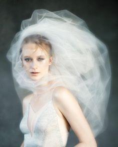 Bouffant veil | Photo by Elizabeth Messina