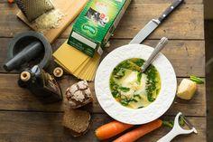 Суп со шпинатом и пастой | Подойдёт веганам и тем, кто решил к лету исправить фигуру. Притом, можно сказать, что это конструктор: меняете зелень, типы пасты и состав бульона -получаете книгу «100 супов за 20 минут».