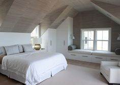 Adorable 16 Smart Attic Bedroom Design Ideas Makes me wish for a loft conversion…But then I think of the mess and decide against it! The post 16 Smart Attic Bedroom Design Ideas Makes me wish for a loft conversion…But th… appeared first on Decor Designs . Attic Bedroom Closets, Attic Master Bedroom, Attic Bedroom Designs, Bedroom Closet Design, Attic Design, Closet Bedroom, Home Bedroom, Attic Bathroom, Loft Design