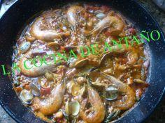 Se dice que un buen plato favorece la convivencia de familias y amigos a la vez que adorna las fiestas. En el de hoy, tal vez un poco p...