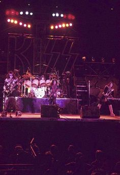 Kiss Group, Kiss Members, Vinnie Vincent, Kiss Pictures, Kiss Photo, Best Rock Bands, Kiss Band, Hot Band, Ace Frehley