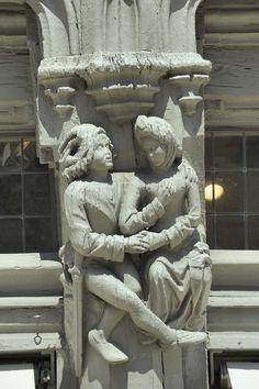 Sculpture - Maison d'Adam à Angers