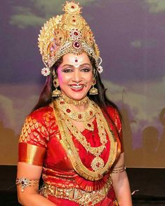 Hemamalini Bollywood Saree, Bollywood Fashion, Bollywood Actress, Indian Celebrities, Bollywood Celebrities, Beautiful Indian Actress, Beautiful Actresses, Indian Wedding Jewelry, Indian Weddings