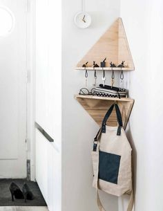 Cool 54 Easy Diy Bedroom Storage Ideas For Small Space. More at https://homedecorizz.com/2018/05/18/20-easy-diy-bedroom-storage-ideas-for-small-space/