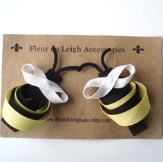 bees ... cute! would look adorable glued to a little girls head band or sewn to a sweater!