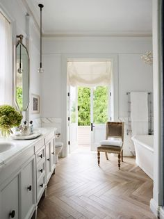 11 trends that dominated in A round up of this year's biggest bathroom trends. Big Bathrooms, Beautiful Bathrooms, Small Bathroom, Master Bathroom, Wood Bathroom, Bathroom Sets, Bathroom Lighting, Bathroom Fixtures, Bathroom Interior