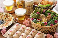 Japanese Hanami Bento (Luncg box Cherry blooming viewing is so fancy... 【大人向け】お花見弁当のコーディネート