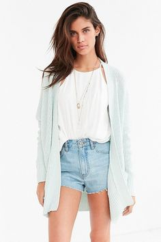 26 Lightweight #Summer #Sweaters You Can Easily Throw Into Your Bag. #Fashion