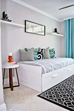 nate berkus furniture daybed with storage drawers hanging shelves framed painting carpet ceramic floors round sidetable throw pillows contemporary design of Stunning Pieces to Take a Peek at When in Search of Nate Berkus Furniture Ikea Daybed, Daybed Room, Bed Nook, Small Room Bedroom, Bedroom Decor, Master Bedroom, Beds For Small Spaces, Daybed With Storage, Teenage Room Decor