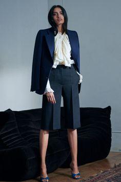 Moda Victoria Beckham, Victoria Beckham Style, Victoria Beckham Collection, Fashion Show, Fashion Outfits, Womens Fashion, Fashion Design, Fashion Clothes, Black Catsuit