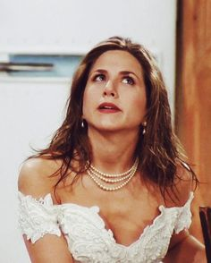 She looks so pretty in the very first episode :)