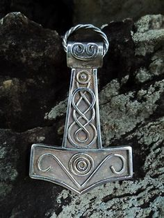 culturapagan:    |Mjölnir: 2 (Norse, not Celtic, but still cool)