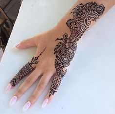 Cute Henna Designs, Finger Henna Designs, Simple Arabic Mehndi Designs, Mehndi Designs For Girls, Mehndi Designs For Beginners, Modern Mehndi Designs, Mehndi Design Photos, Mehndi Designs For Fingers, Wedding Mehndi Designs