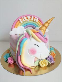 Creative Birthday Cakes, Elegant Birthday Cakes, Creative Cakes, Unicorn Cake Design, Unicorn Cakes, Dessert Table Birthday, Dessert For Dinner, Fondant Cakes, Cupcake Cakes