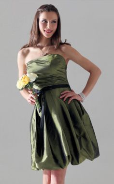 Strapless Sheath/ Column Strapless Knee-length Taffeta Bridesmaid Dress