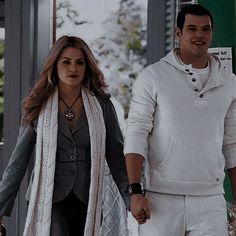 Rosalie Cullen, Rosalie Hale, The Cullen, Twilight Series, Twilight Movie, Twilight Pictures, Beautiful Couple, Honey, Cinema