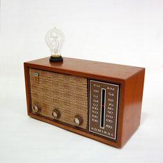 AM/FM Radio Lamp