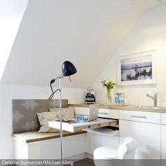 Für kleinen Wohnraum und kleine Küchen kann ein #Tisch zum Ausziehen eine sinnvolle Lösung sein: http://www.roomido.com/wohnideen/kueche/modern/praktischer-ausziehtisch.html