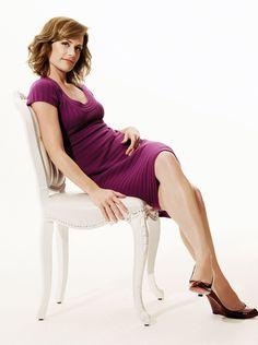 Sarah Clarke is an American actress known for her role as Nina Myers on Renée Dwyer on Twilight, Trust Me, and Lena Smith on Covert Affairs. Covert Affairs, Hollywood, Beautiful Celebrities, Sexy Legs, American Actress, Movie Stars, Celebs, Actresses, Model
