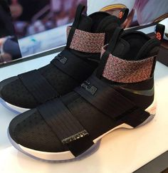 Nike LeBron Zoom Soldier 10