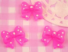 These extra cute little bow cabochons are perfect for embellishing any kawaii craft project, from decoden, jewellery (jewelry) making, card making and scrapbooking. #CraftMakingJewelryShop