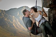 A rock climbing engagement photo shoot! Awww