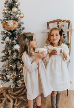 Beutuful handmade dresses for any occasion. #christmasdecor #christmasoutfit #christmasgifts #linenclothing #linendresses Baby Girl Dresses, Baby Dress, The Dress, Little Girl Outfits, Toddler Outfits, Toddler Girl Fall, Children Outfits, Baby Girl Fashion, Toddler Fashion