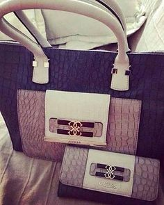 GUESS Handbag and Wallet                                                                                                      ✤HAND'me.the'BAG✤