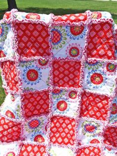 Rag Quilt Lap Quilt Red and Pink Rag Quilt, Quilts, Red Fabric, Red And Pink, Pink Flowers, Sewing Projects, Handmade, Crafts, Blanket Patterns
