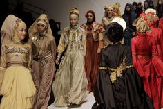 Indonesia Aims to be Islamic Fashion Powerhouse - Southeast Asia Real Time - WSJ Character Design Inspiration, Style Inspiration, Indonesia Fashion Week, Islamic Fashion, Contemporary Style, Muslim, Clothes, Southeast Asia, Dresses