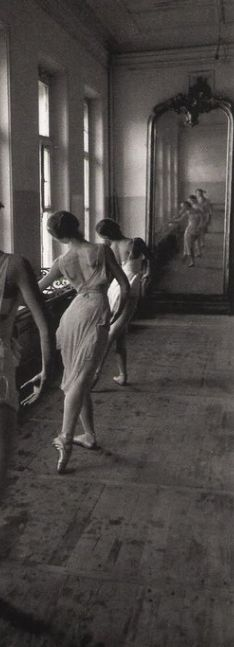 vintage photo of ballet class