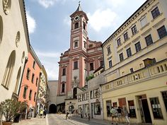 Rindermarkt Strasse in Passau, Germany. The Old Town is known for its beautiful Gothic and Baroque architecture. Visit Austria, Visit Germany, Austria Travel, Germany Travel, Passau Germany, Rhine River Cruise, Baroque Architecture, Beautiful Places, Amazing Places