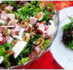 ΧΡΙΣΤΟΥΓΕΝΝΙΑΤΙΚΑ ΦΑΓΗΤΑ - Page 2 of 3 - Νόστιμες συνταγές της Γωγώς! Diy Food, Cobb Salad, Salads, Menu, Cooking Recipes, Drink, Flowers, Projects, Menu Board Design